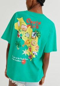 PULL&BEAR - Print T-shirt - light green - 4