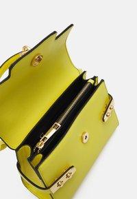 ALDO - AGROLIA - Handbag - green sheen - 2