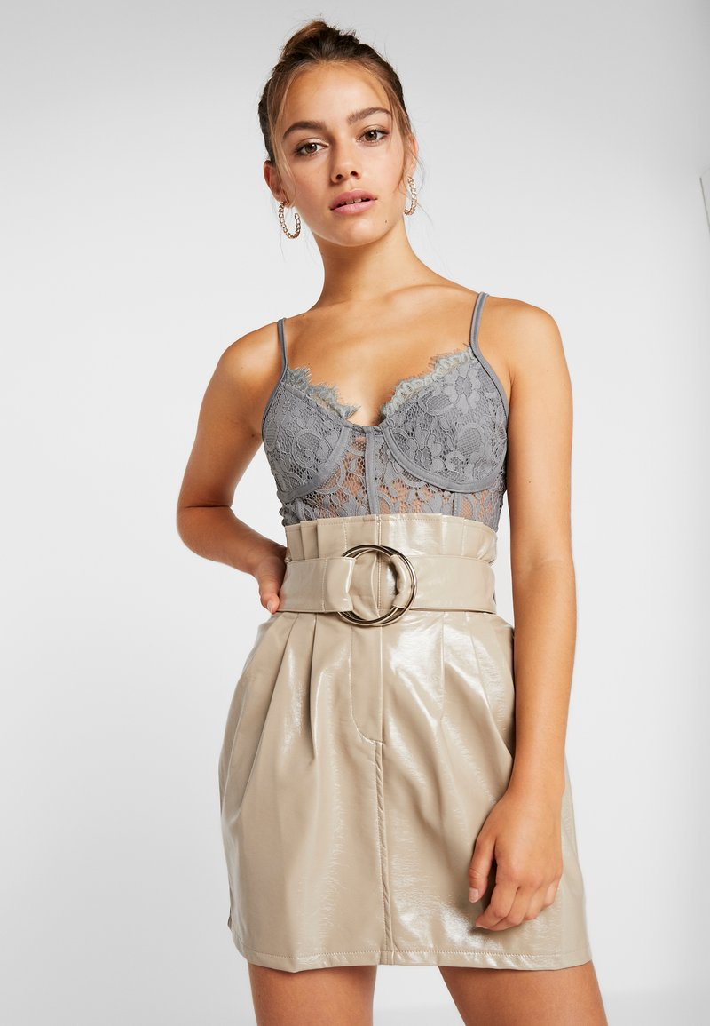 Missguided Petite - STRAPPY CUPPED BODY - Top - grey