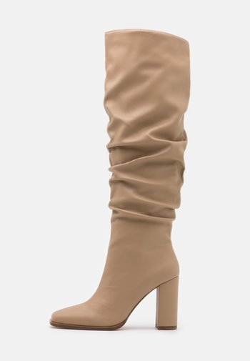 SLOUCHY SHAFT SQUARED TOE BOOTS - Laarzen met hoge hak - beige