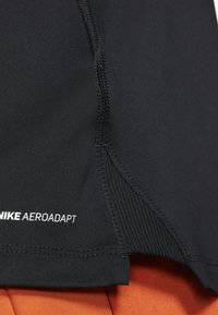 Nike Performance - T-shirts print - black - 6