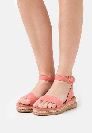 Platform sandals - candy