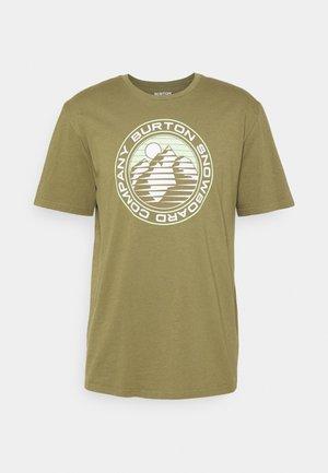 LAWLER TEE MARTINI  - Print T-shirt - martini olive