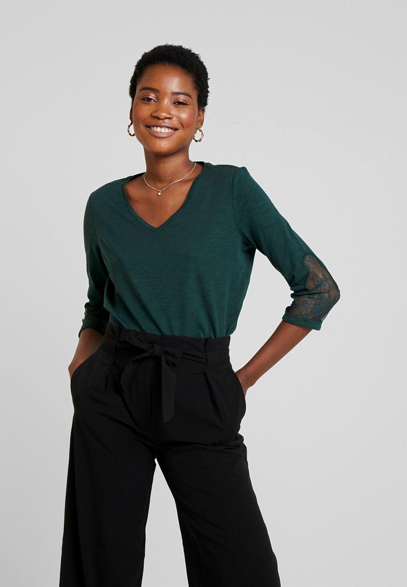 s.Oliver - 3/4 ARM - Langærmede T-shirts - emerald