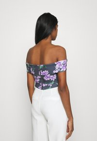WAL G. - LANCE FLORAL CROP - Print T-shirt - purple - 2
