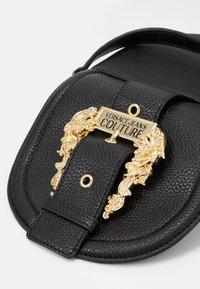 Versace Jeans Couture - CROSSBODY - Skulderveske - nero - 4