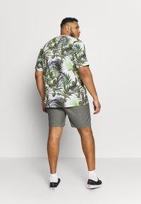 Jack´s Sportswear - RELAXT FIT - Shorts - black mix - 2