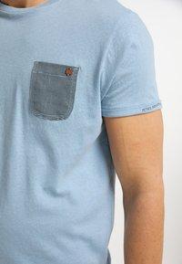 Petrol Industries - T-shirt imprimé - parrot blue - 3