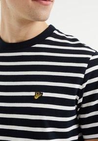 WE Fashion - MET STREEPDESSIN - Print T-shirt - dark blue - 4