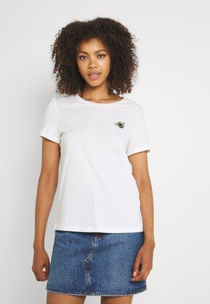 VMANNIFRANCIS BOX - Print T-shirt - snow white