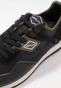 Replay - DRUM PRO GROUND - Zapatillas - black/green - 4