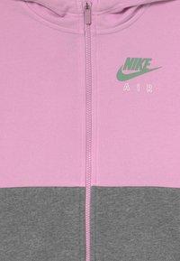 Nike Sportswear - HOODIE - Mikina na zip - arctic pink/healing jade - 5