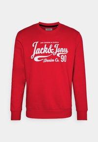 JJHERO CREW NECK - Sweatshirt - true red