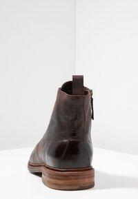 Cordwainer - Snørestøvletter - dark brown - 3