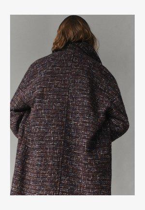 MIT STRUKTURMUSTER  - Manteau classique - brown