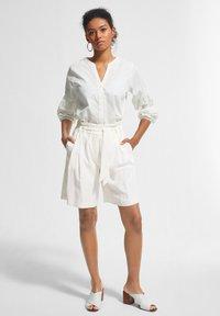 comma - Shorts - white - 1