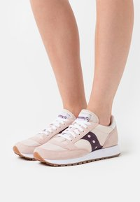 Saucony - JAZZ VINTAGE - Trainers - light pink/wine - 5