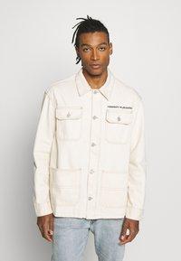 Tommy Jeans - OVERSIZE WORKWEAR JACKET - Denim jacket - work ecru rig - 0