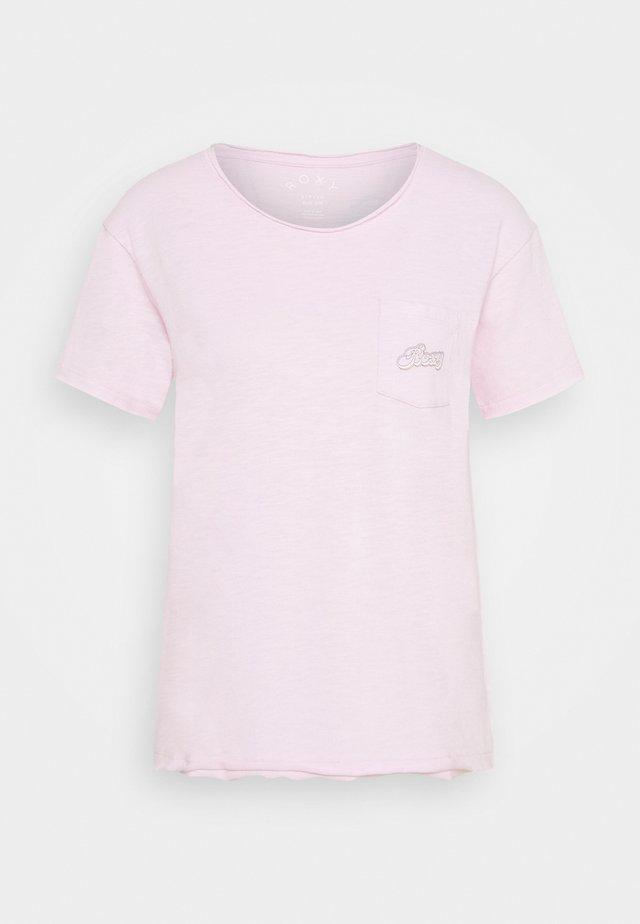 STAR SOLAR - Print T-shirt - pink mist