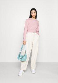 Nike Sportswear - AIR CREW  - Sweater - pink glaze/white - 1