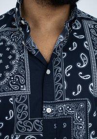 DRYKORN - LOKEN - Shirt - blue - 4