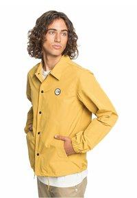 Quiksilver - Light jacket - honey - 4