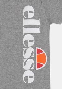Ellesse - ELEANORI BABY SET UNISEX - T-shirt print - grey - 3