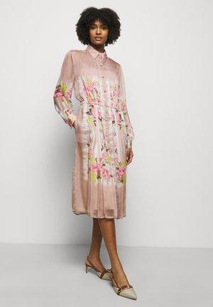 DRESS - Paitamekko - pink