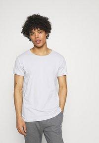 Tigha - WREN - Basic T-shirt - concrete grey - 0