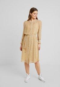ICHI - OLGA  - Shirt dress - sahara sun - 0