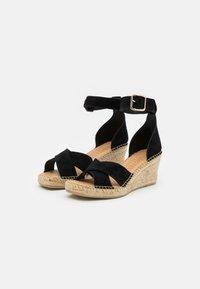 Selected Femme - SLFESTHER WEDGE  - Sandály na platformě - black - 2