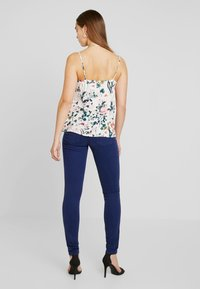 Pieces - PCLIV SLIP - Top - lotus