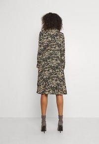 Molly Bracken - LADIES WOVEN DRESS - Day dress - elsa ochre - 2
