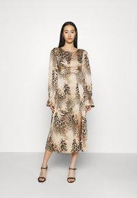 Missguided - PEN BACK MIDI DRESS  - Day dress - brown - 0