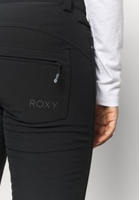 Roxy - CREEK SHORT - Pantalón de nieve - true black - 4