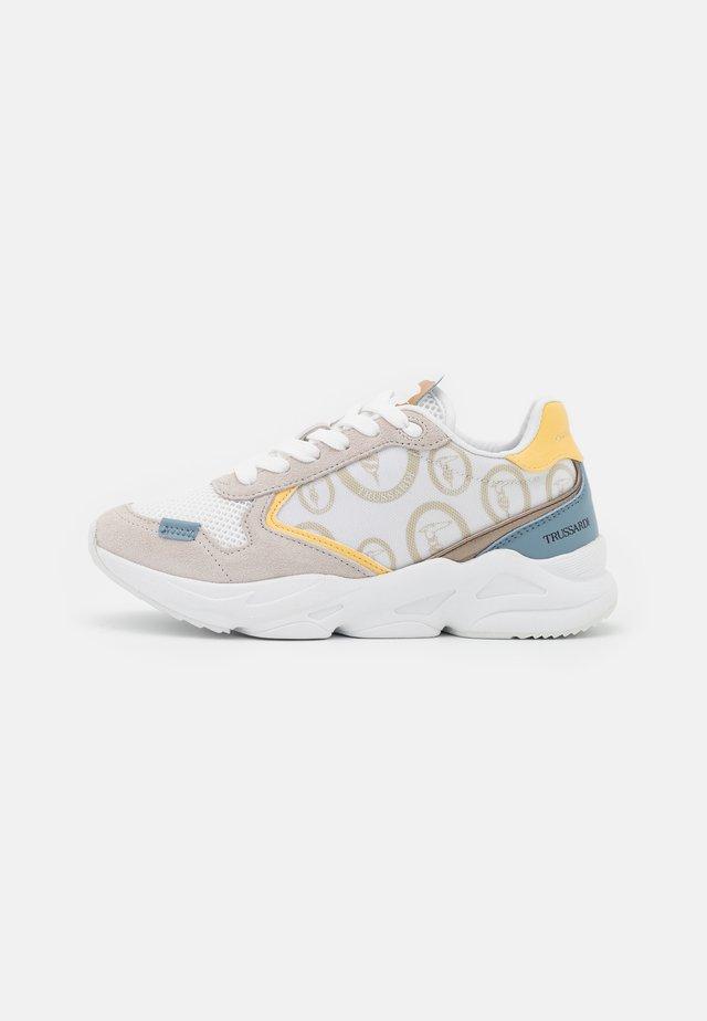 KIRI MIX - Sneakers laag - white/light blue