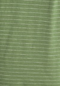Selected Homme - SLHMORGAN STRIPE O NECK TEE - Print T-shirt - vineyard green/egret - 7