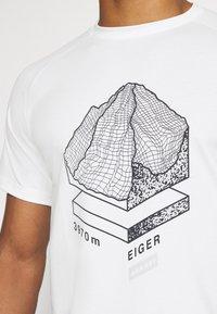 Mammut - MOUNTAIN - Print T-shirt - bright white - 5