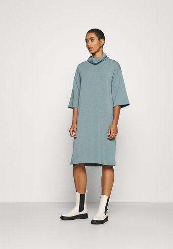 BANU - Jersey dress - ocean blue