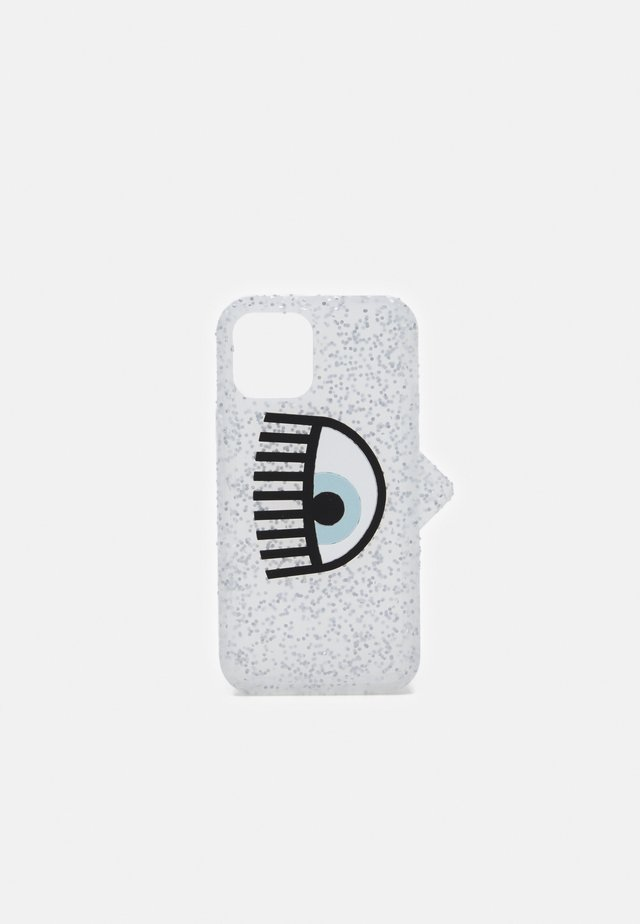 LOGOMANIA GLITTER CASE IPHONE 11 - Étui à portable - silver-coloured