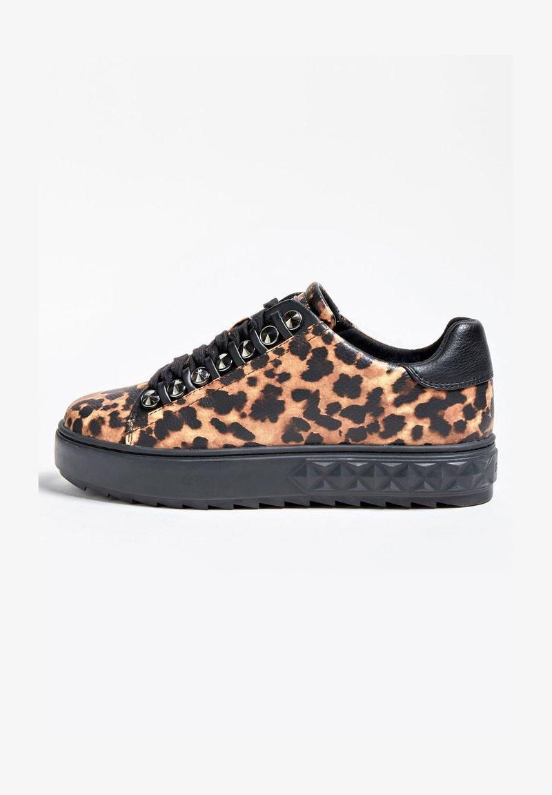 Guess - FAIREST NIETEN - Sneakers basse - animalier
