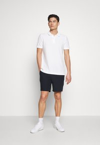 Abercrombie & Fitch - DRAPEY PULL ON - Shorts - navy/chalk - 1