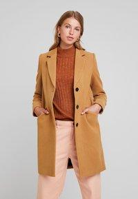 Vero Moda - VMCALA CINDY - Short coat - tobacco brown - 0