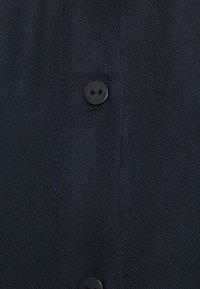 TOM TAILOR - BLOUSE SOLID LOOSE SHAPE - Button-down blouse - sky captain blue - 2