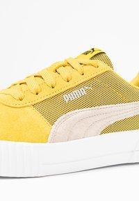 Puma - CARINA LUX - Tenisky - sulphur/pastel parchment - 2