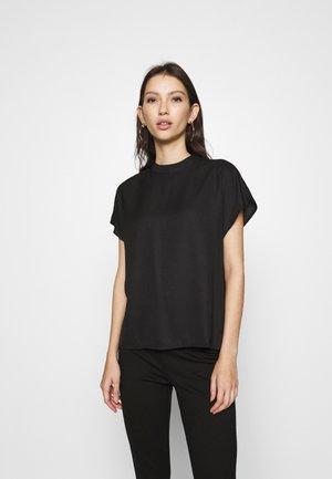 ONLEVERLY - Blouse - black