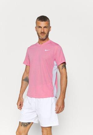 T-shirt med print - elemental pink/white/white