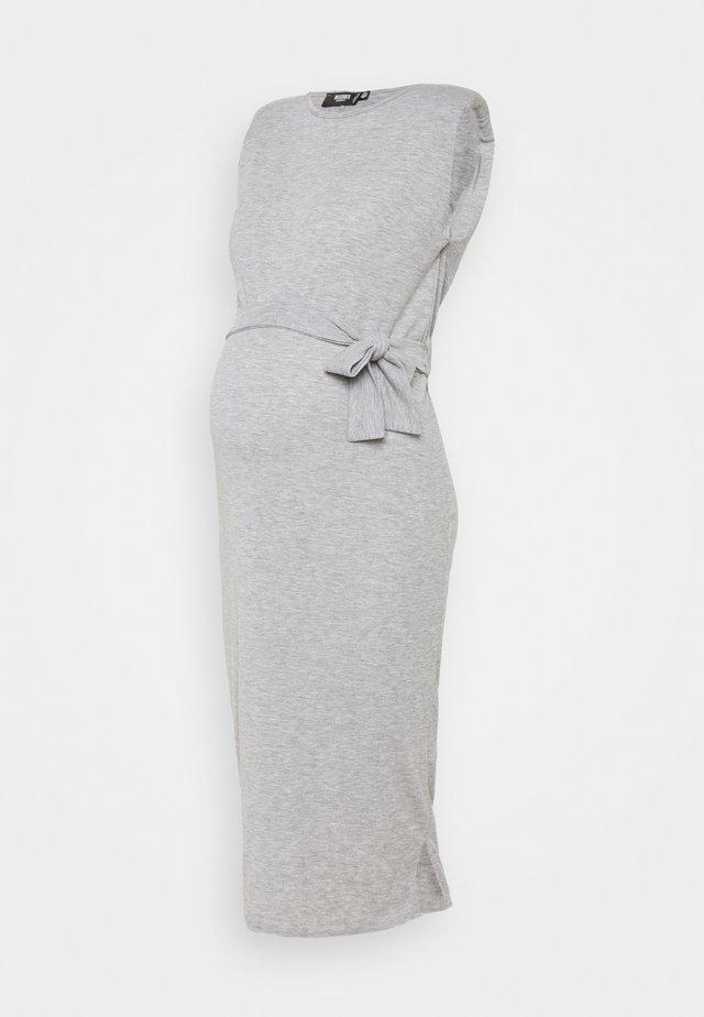 SHOULDERPAD BELTED - Etui-jurk - grey