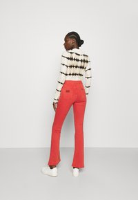 LOIS Jeans - RAVAL - Trousers - cayenne - 2