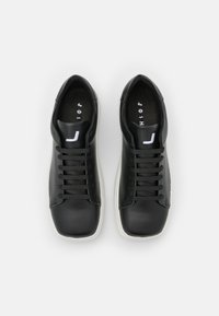 Joshua Sanders - EXCLUSIVE SQUARED SHOES - Trainers - black - 3